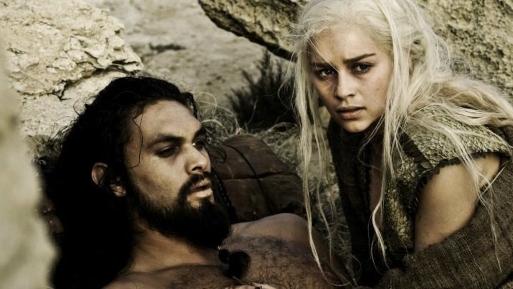 //imgix.bustle.com/elite-daily/2016/06/07175851/khal-drogo-khaleesi-daenerys-targaryen-season-one-game-of-thrones-dothraki.jpg?w=1020&h=574&fit=crop&crop=faces&auto=format&q=70