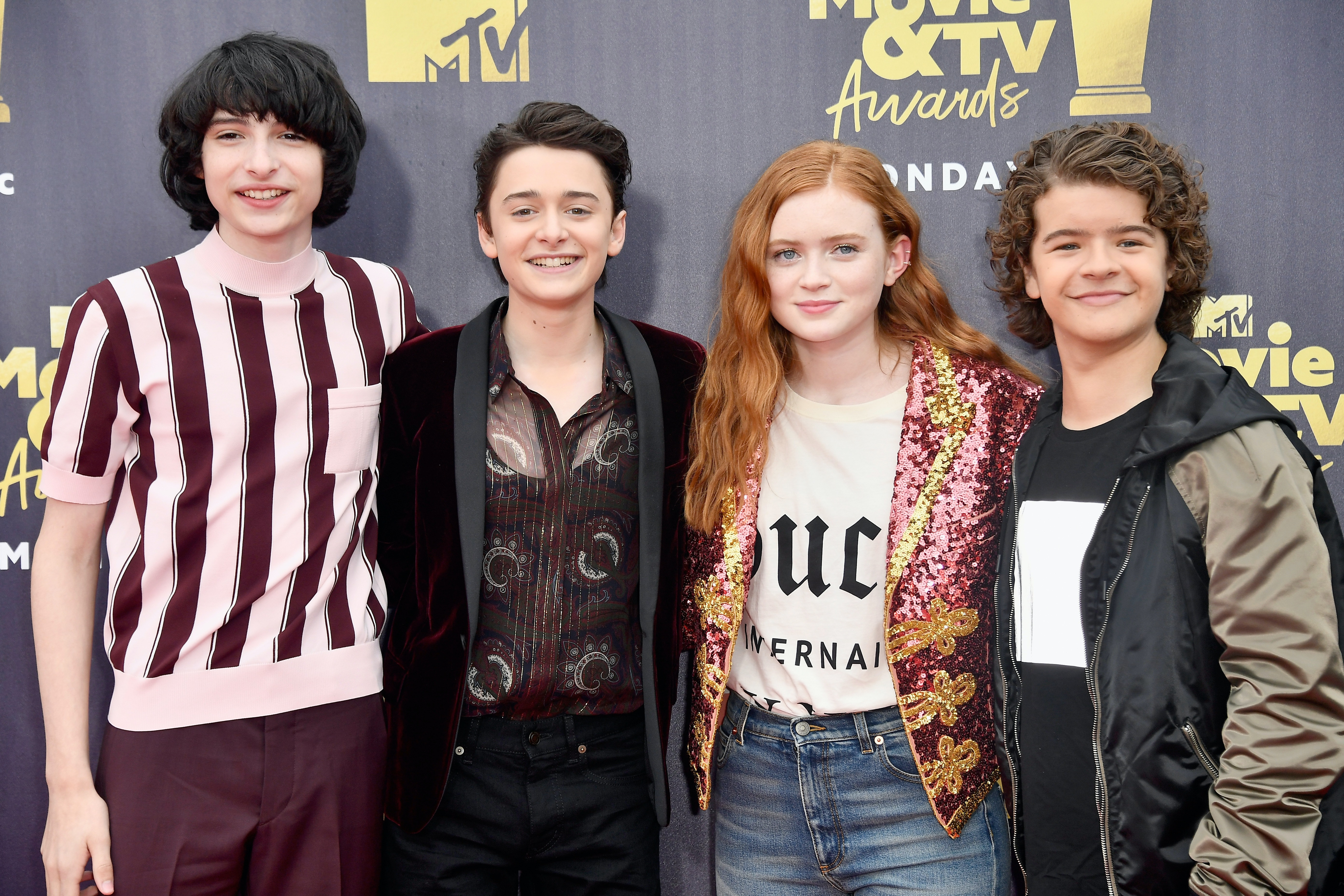 The Cast of Stranger Things Just Walked the Golden Globes Red Carpet Together