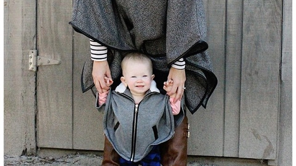 03f3fce41878 12 Women Who Take Matching Kid & Mom Outfits To A New, Stylish Level