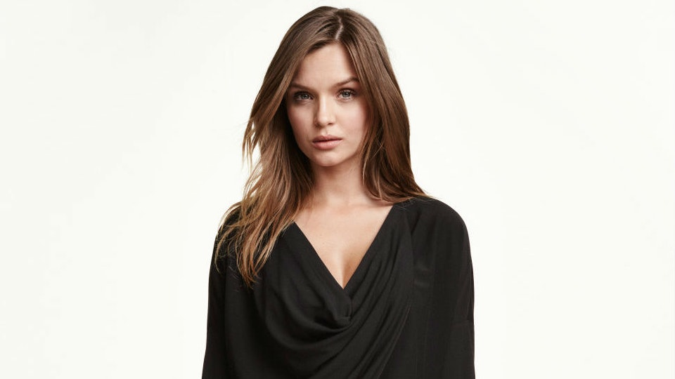 7e9bb490c8dcd Yes, Breastfeeding Clothes Can Be Attractive, & Here Are 11 Pieces That  Prove It