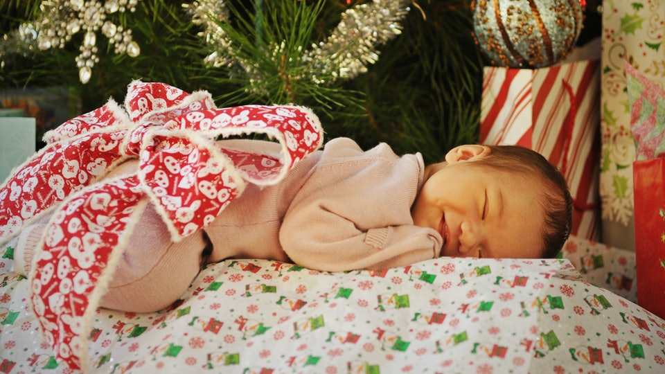 11 Christmas Themed Baby Names For Your Holiday Arrival