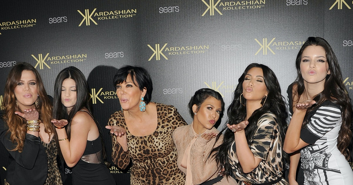 The 2015 Kardashian Christmas Card Is Shocking For One Big Reason