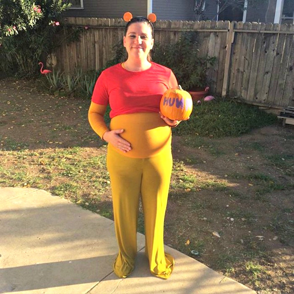 03d509bdba5d1 10 Clever Halloween Costumes For Pregnant Women