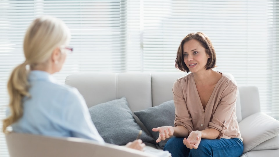 11 Reasons Every Mom Should See A Therapist Regardless