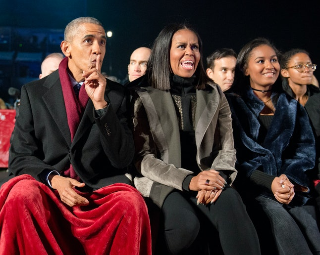 WASHINGTON, DC - DECEMBER 1:  U.S. President Barack Obama, first lady Michelle Obama and daughter Sasha Obama attend the National Christmas Tree Lighting on the Ellipse December 1, 2016 in Washington, DC. This year is the 94th annual National Christmas Tree Lighting Ceremony.   (Photo by Ron Sachs-Pool/Getty Images)