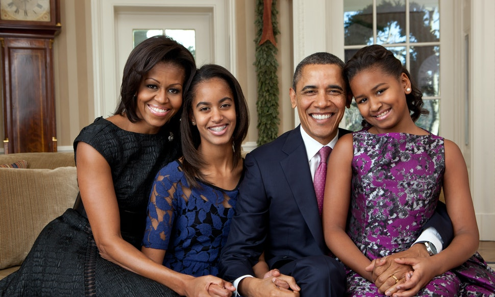 Every Family Portrait Of The Obamas While In Office Ranked