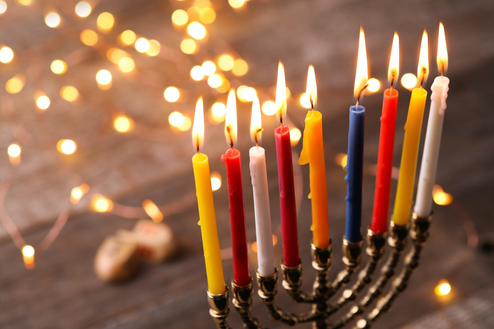 8 Things That Happen When Youre Jewish Spending Christmas With