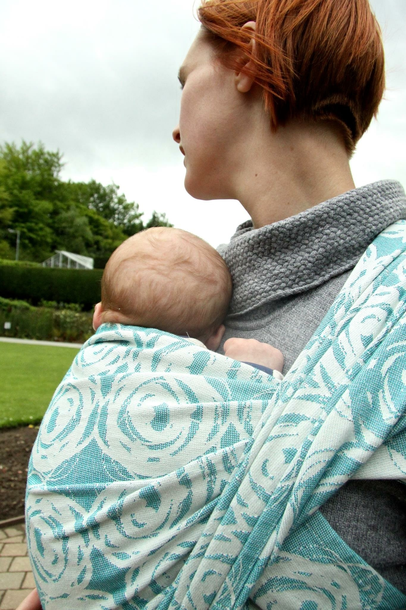 ce98b98f058 This Mom s Injury Shows That Babywearing While Cooking Could Be Incredibly  Dangerous