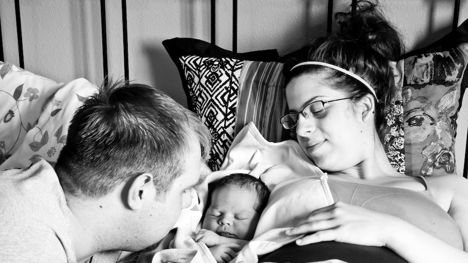 I Had An Accidental Home Birth & This Is What It Was Like