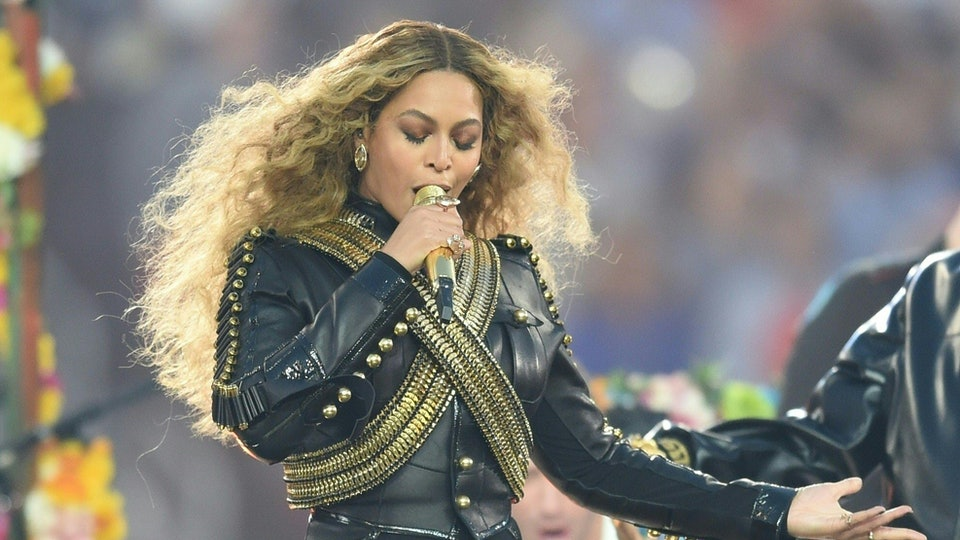 6 Signs Beyonce Is In The Illuminati, Regardless Of What She