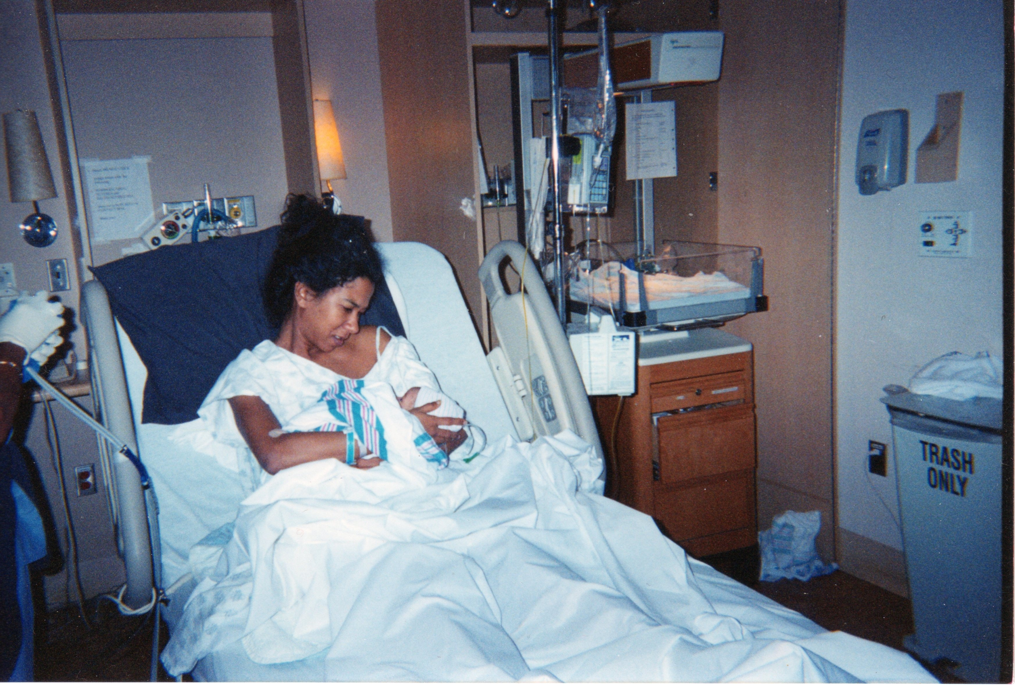 11 Birth Stories To Read If Giving Birth Terrifies You