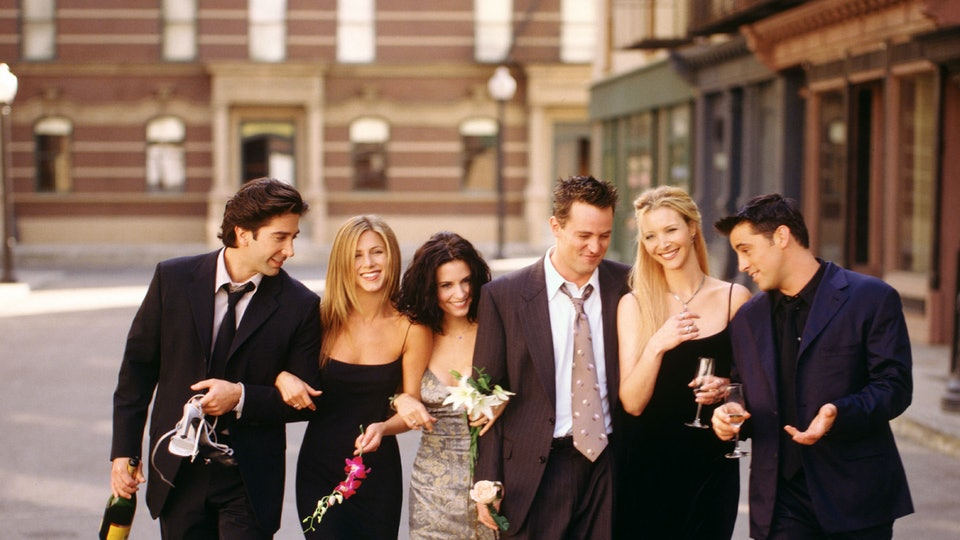 Did Any Of The 'Friends' Cast Members Ever Hook Up? There