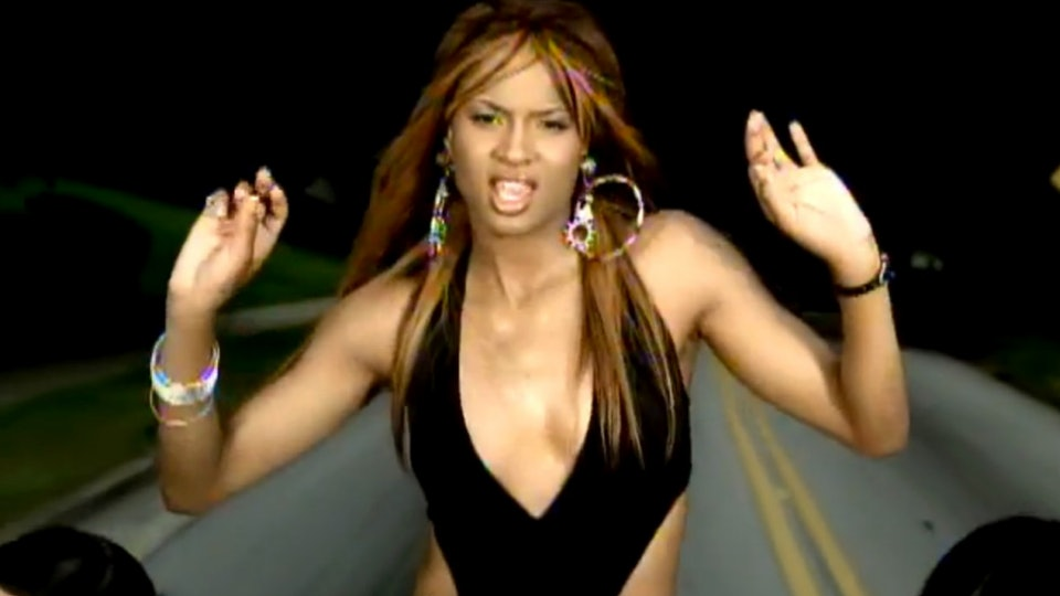 9 Early 2000s Songs You Didn't Realize Were Dirty Until Now