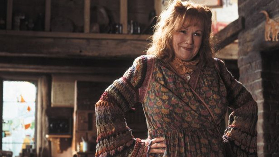 13 Parenting Lessons From Molly Weasley, Because There's No Spell ...