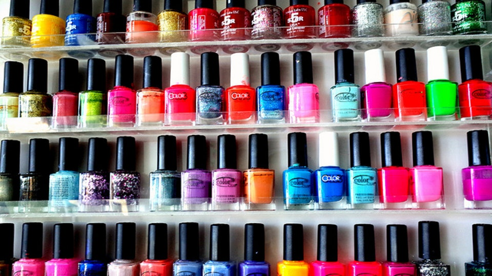 7 \'90s Nail Polishes Every Bomb Dot Com Girl Owned
