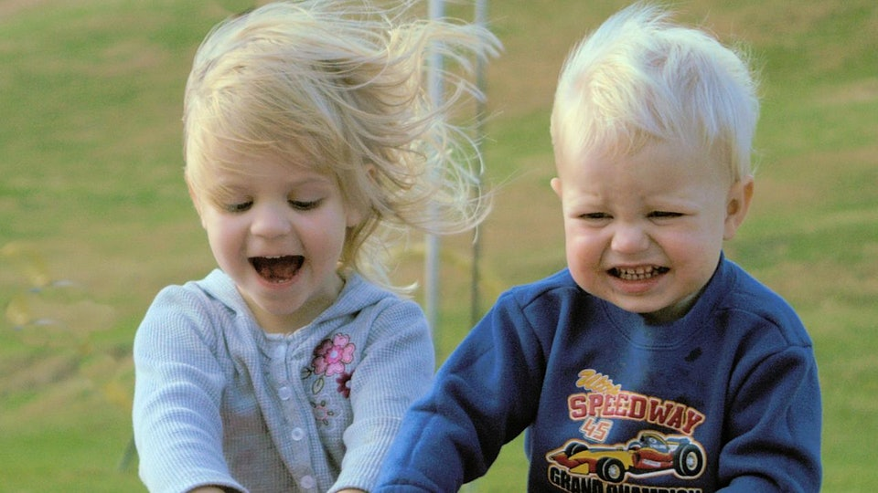 15 Sibling Memes To Share With Your Brothers & Sisters On National