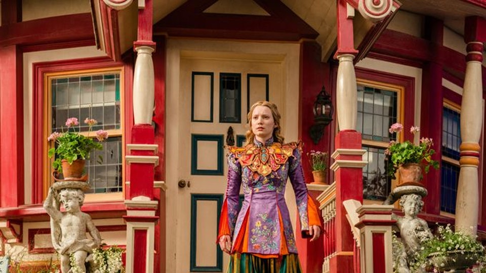 Who Designed Alices Colorful Dress In Through The Looking Glass