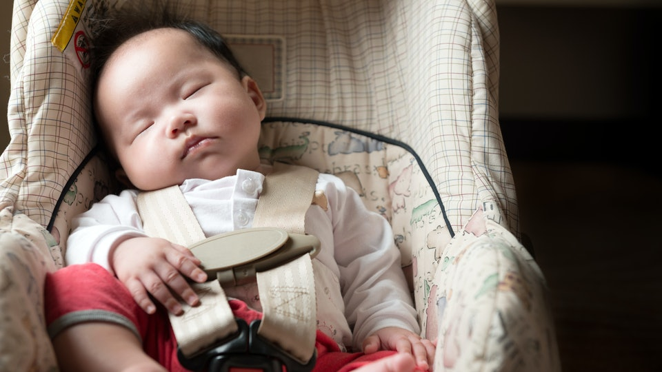 Is It Safe For A Baby To Sleep In Car Seat Consider Waking Them Up