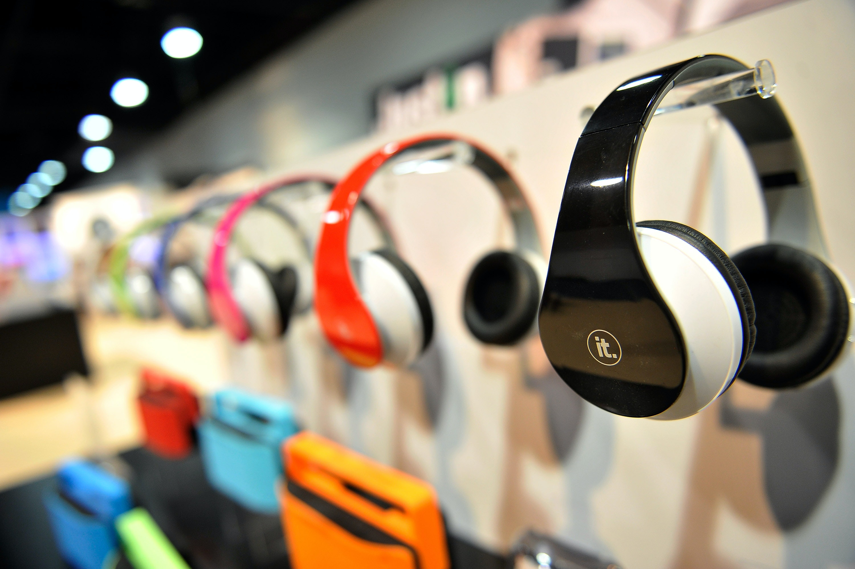 Are Bluetooth Headphones Safe For Toddlers It S Worth Considering