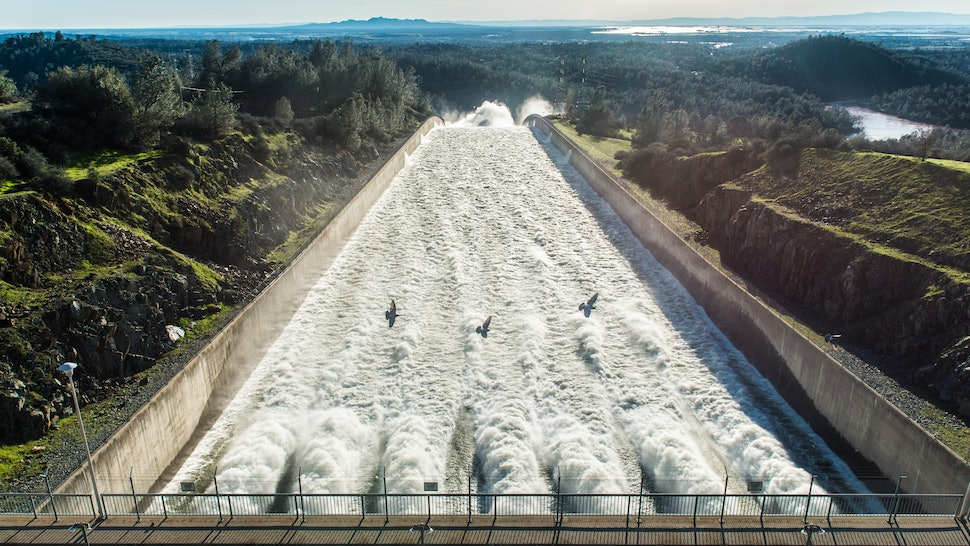 What Happened To The Oroville Dam? Nearby California