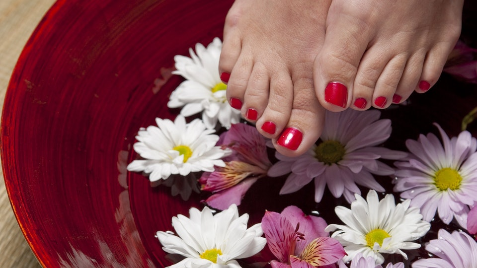 How To Paint Your Toenails When Pregnant Because That Bump Can Get - Can you paint while pregnant