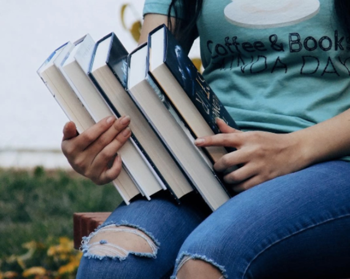 Why My 2017 Resolution Is To Read More Diverse Books