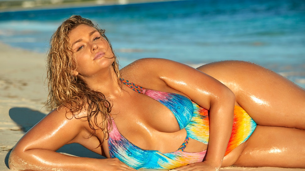 4e1ec358994ea Hunter McGrady Looks Huge In Her 'Sports Illustrated' Swimsuit Issue Photos