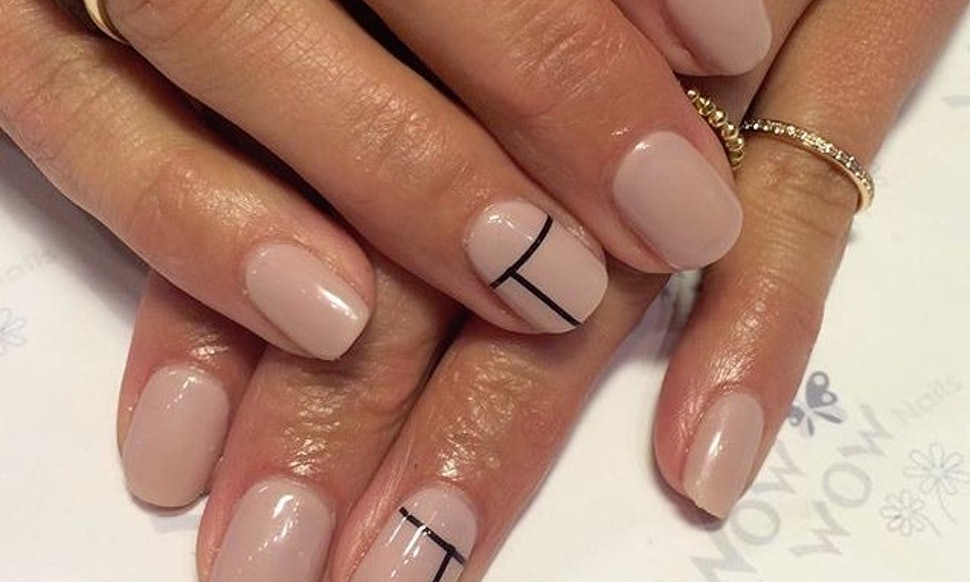 21 Minimalist Manicures That Will Inspire You To Keep It Simple