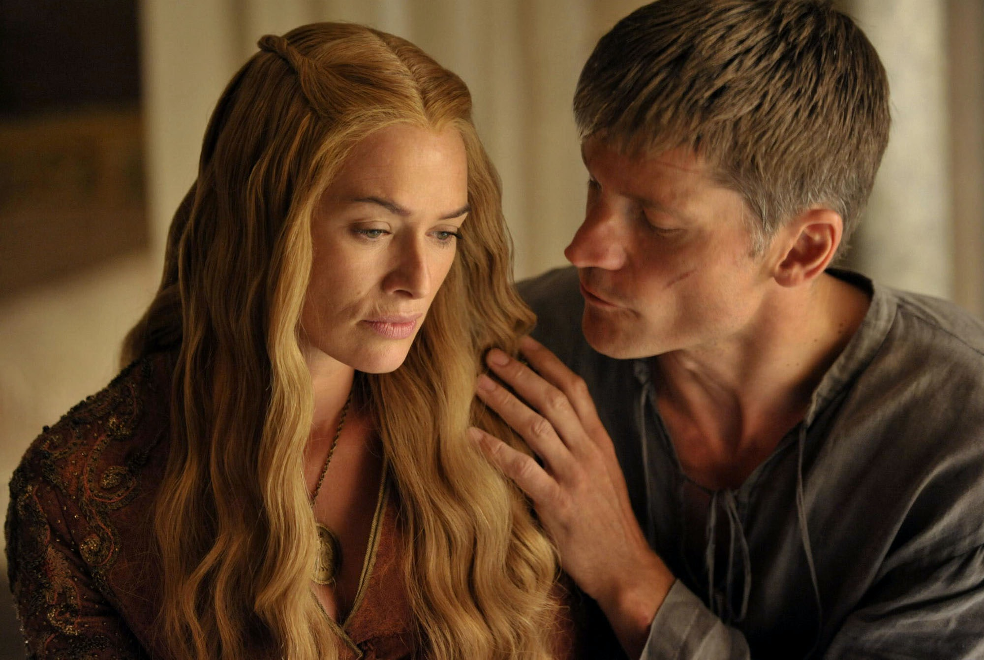9 Reasons Jaime Lannister Won't Kill Cersei On 'Game Of Thrones'