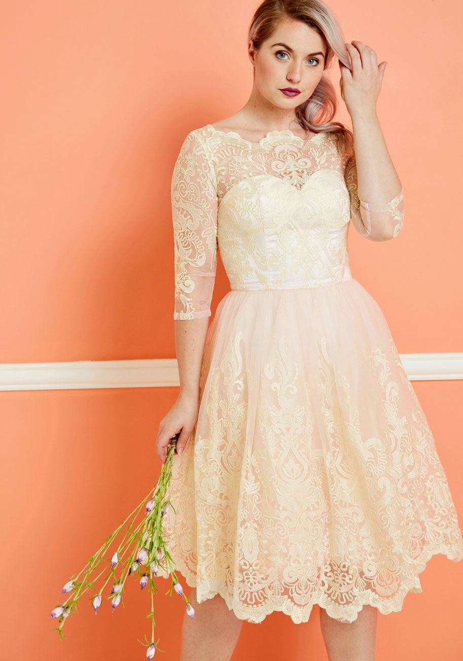 Vintage-Inspired Lace Dresses
