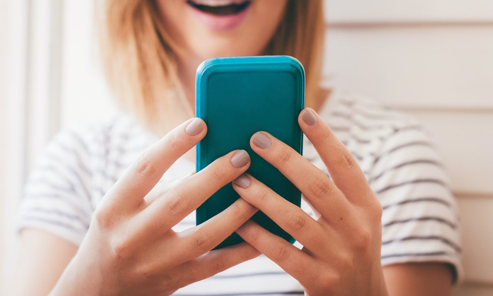 Am I Addicted To Online Dating? 5 Signs It's Time To Take A Break From Your  Apps