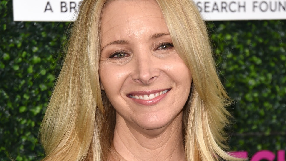 Lisa Kudrow's Favorite 'Friends' Episode Will Bring You Back To An