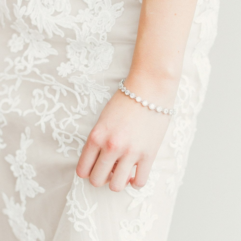 7 Wedding Jewelry Rental Sites To Get Glitzy Without Breaking The Bank
