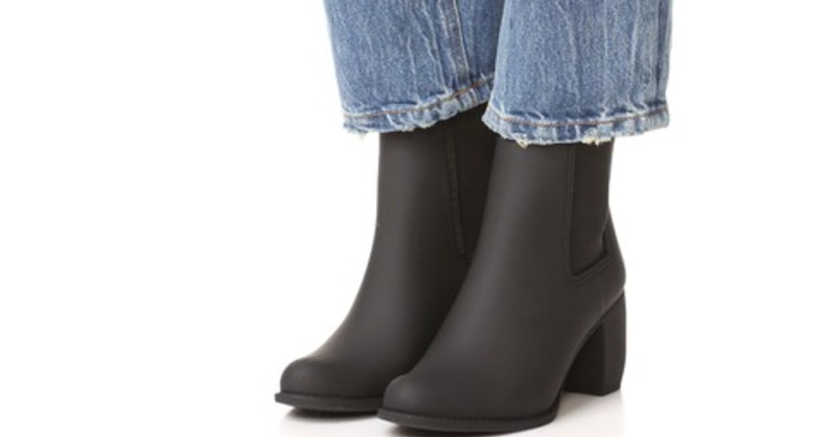 9f6fc285ca07b 12 Rainboots That Don't Look Like Rainboots To Prep You For Spring