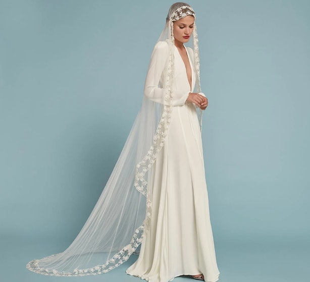 11 Wedding Dresses With Sleeves That Will Make You Feel Like A ...