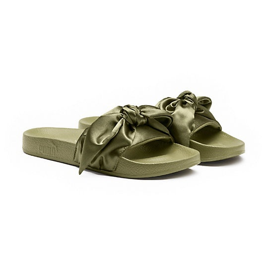 buy online c312b 0a4b7 Are The Rihanna Puma Bow Slides Sold Out? Their Latest ...