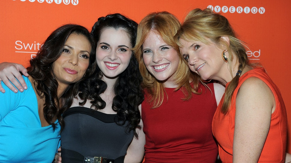 main characters from switched at birth
