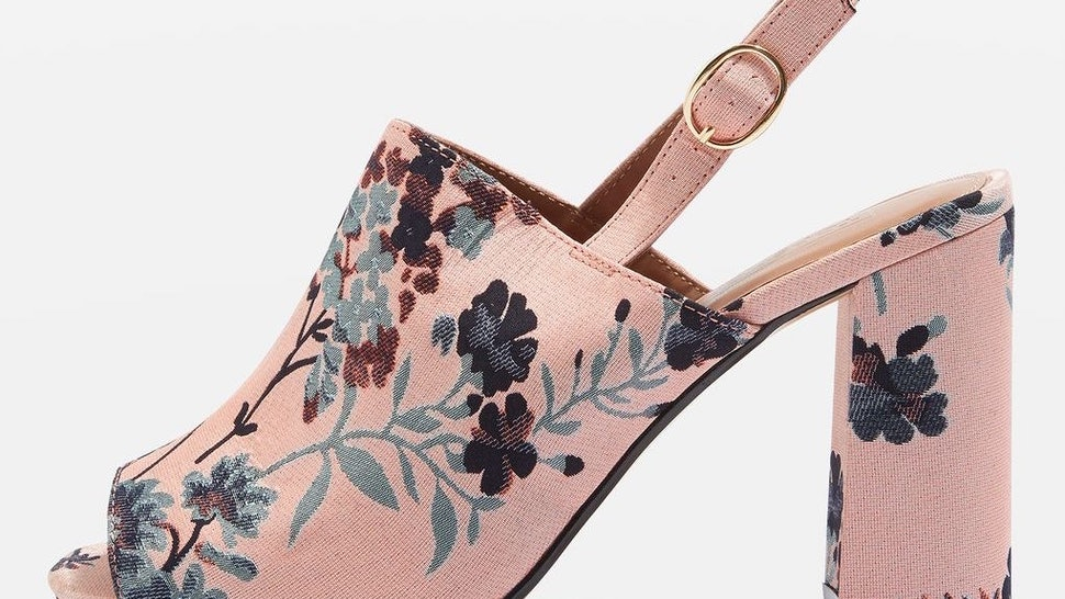 4db27d51e2034 15 Mules That Will Actually Stay On Your Feet