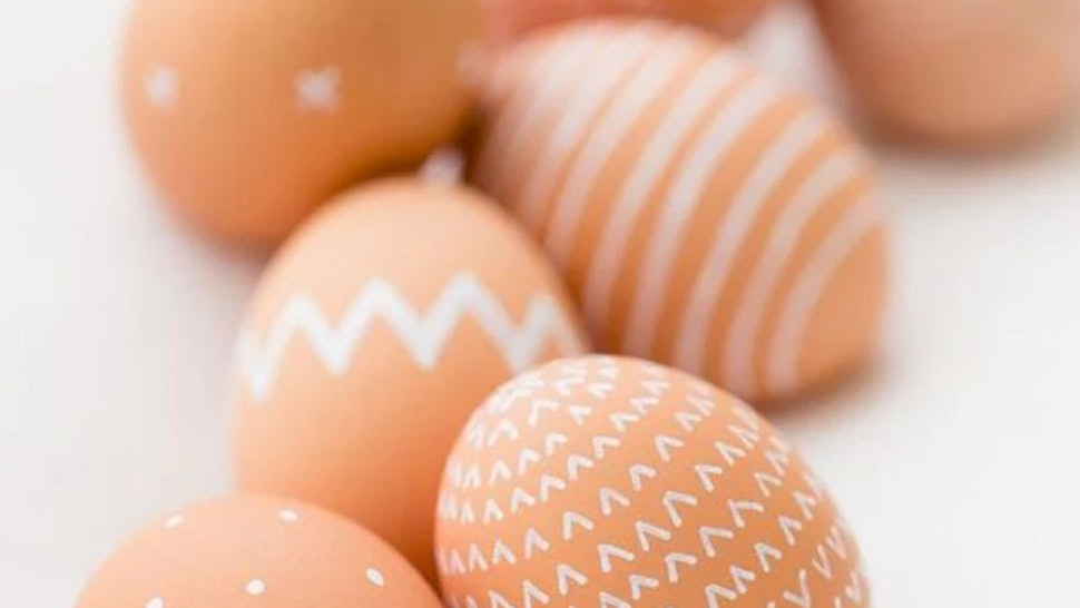 11 Easter Egg Decorating Ideas For Adults That Are Super Easy To Make