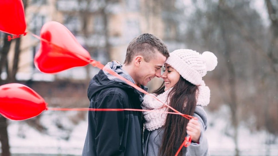 how long should you be dating before you get engaged
