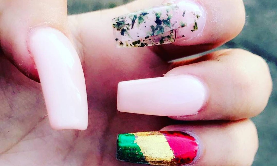 Weed Nail Art Is A Thing If Youre Interested In A 420 Friendly Manicure
