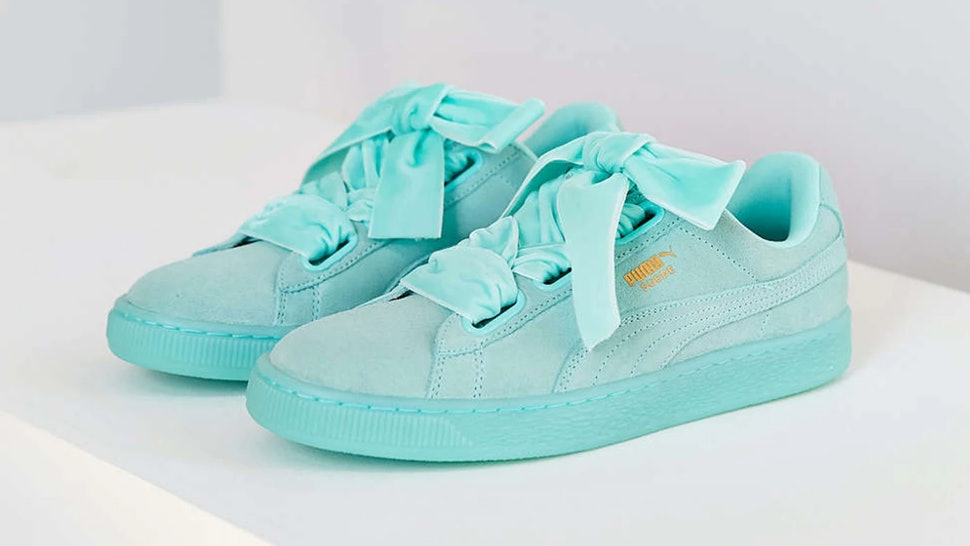 12 Cute Sneakers To Wear To Graduation