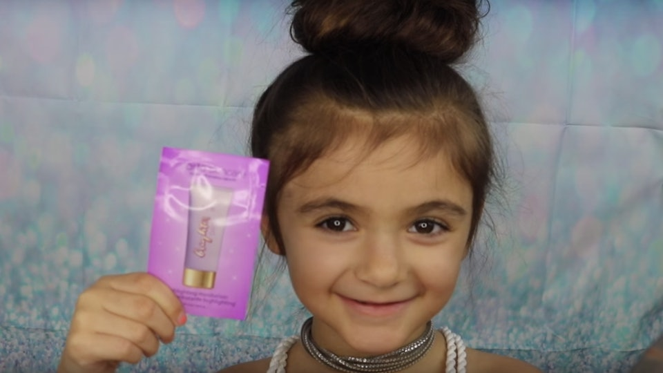 5 Year Old S Unicorn Makeup Tutorial Is Perfect For Anyone Who Needs