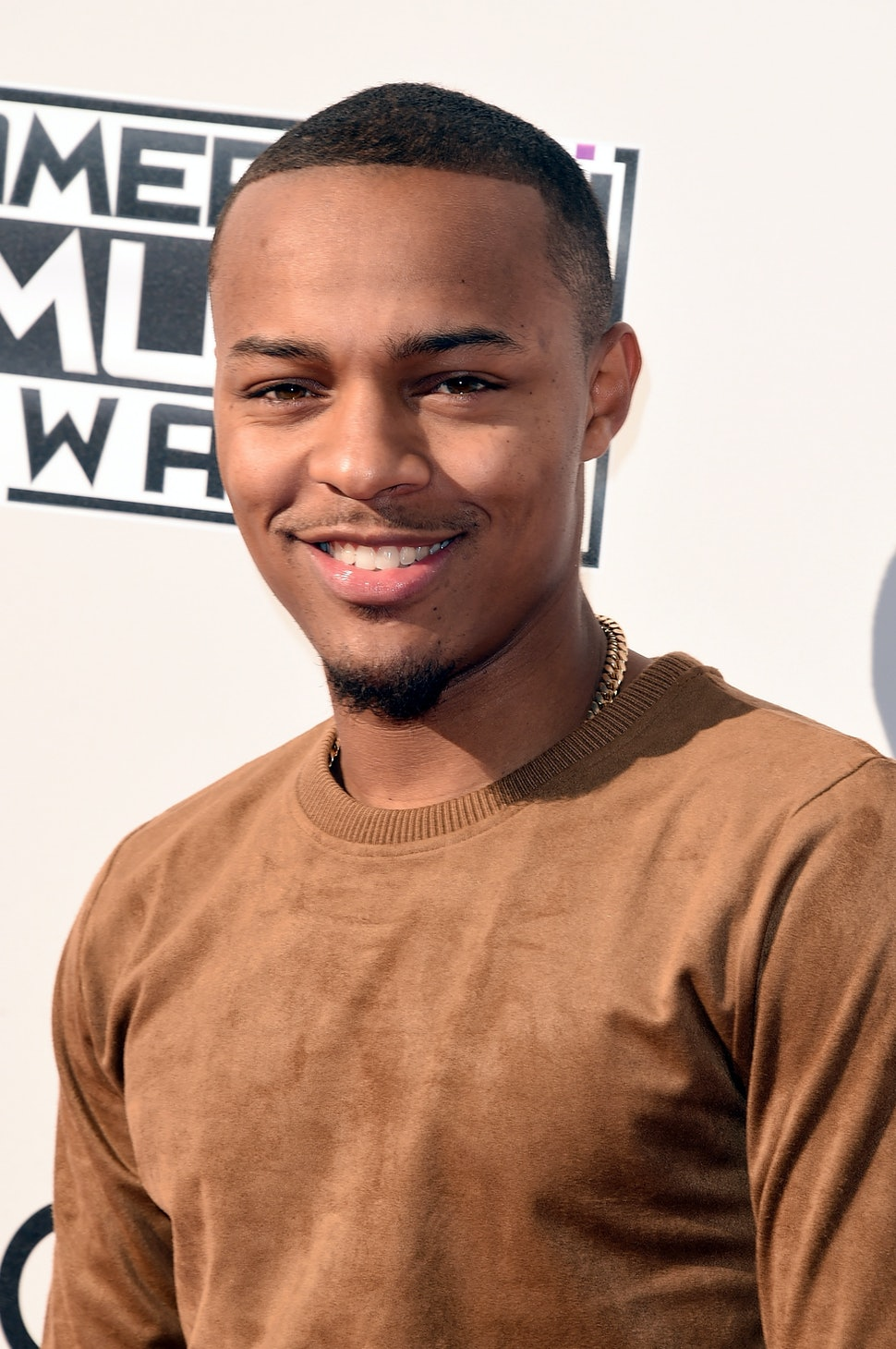 The Bow Wow Challenge Has Rightfully Taken Over Twitter Photos