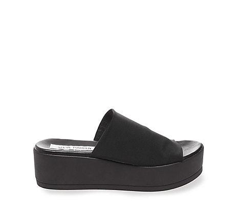 118859844ff8 Footwear Fashion Trend In 2000 - Style Guru  Fashion