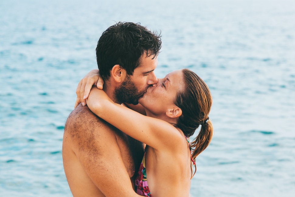 People Share Their Juiciest Vacation Hookup Stories And Youll Be Inspired To Book A Trip Asap