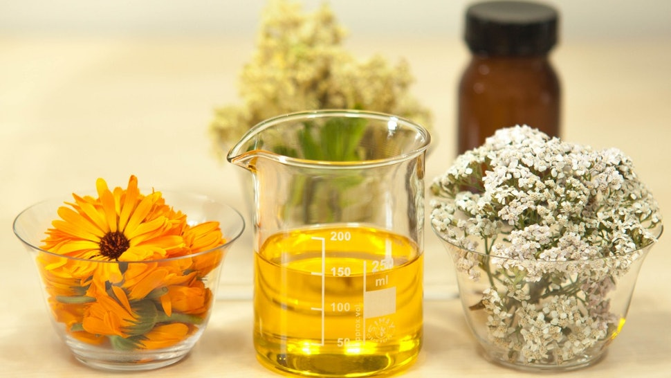 What's The Difference Between Extracts And Oils In Skin Care