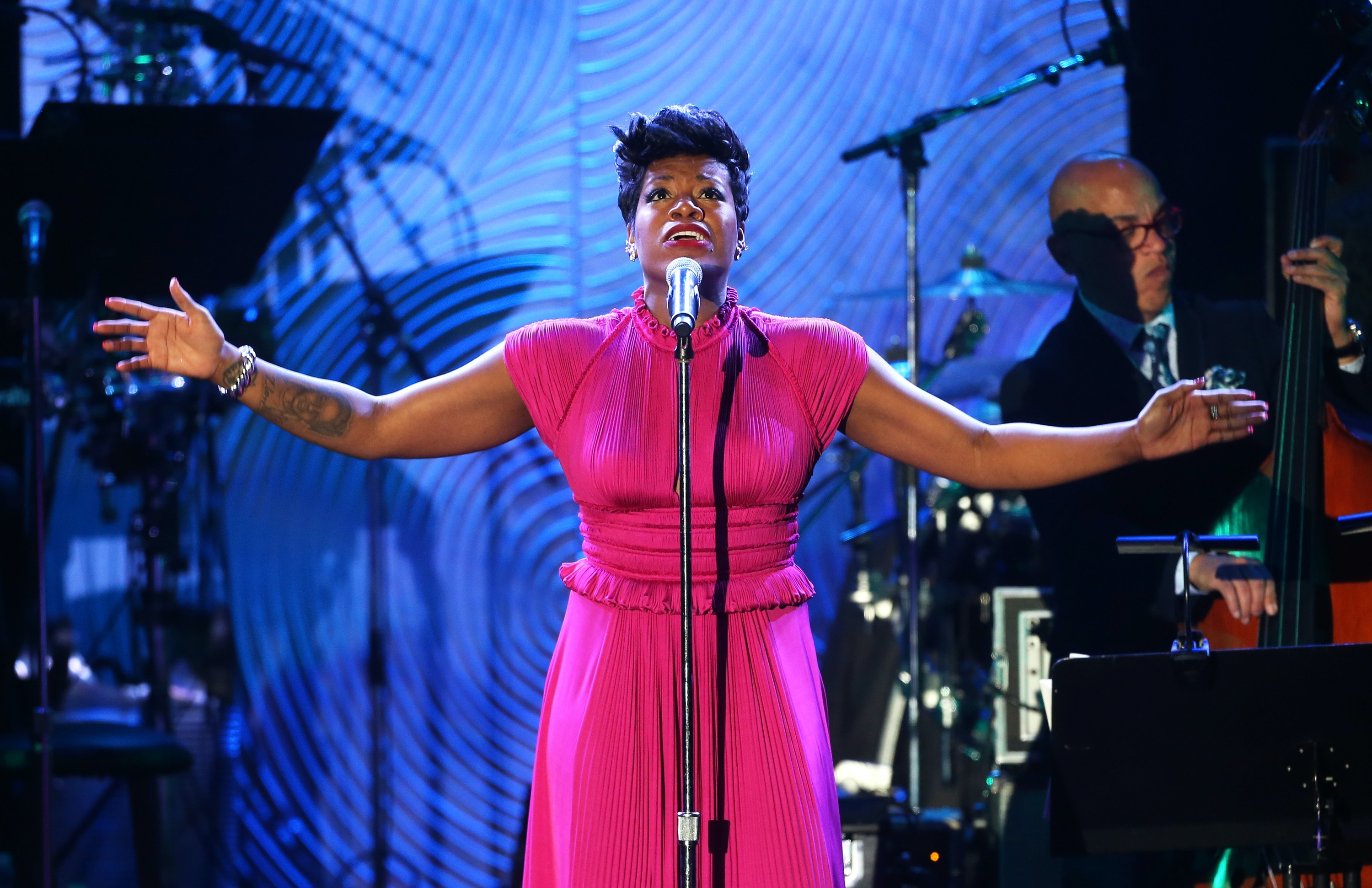Watch American Idol Fantasia Barrino Can't Kill Herself Worth a Damn video