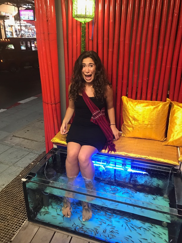 What does a fish pedicure feel like i got one so you don for Fish pedicure before and after