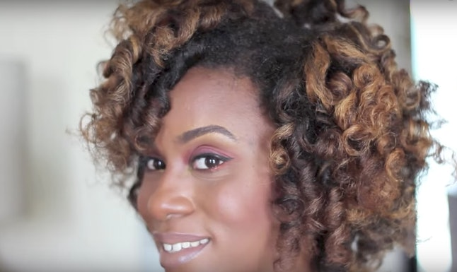 9 Ways To Curl Afro Textured Hair Without Heat According To Natural
